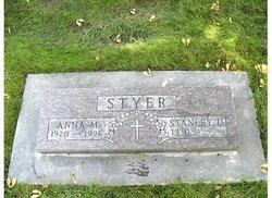 Anna M Styer