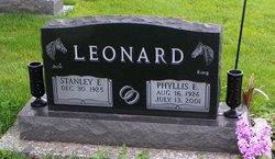 Phyllis E. <I>Pretzlaff</I> Leonard
