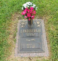 Betty J Lindbergh