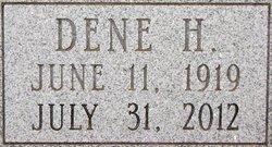 Dene June <I>Hocker</I> Beule