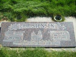 Loie Larue <I>Johansen</I> Christensen