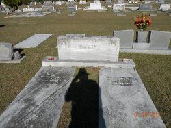 Myrl <I>Yancey</I> Davis