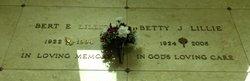 Betty J <I>Stoneman</I> Lillie