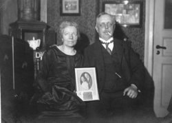 Bertha Katherine <I>Daehnke</I> Petersen