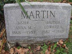 Anna M Martin