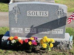 Maxine D Soltis
