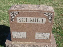 Alta Schmidt