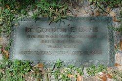 Lieut Gordon E. Davis