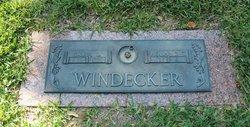 Roland T Windecker
