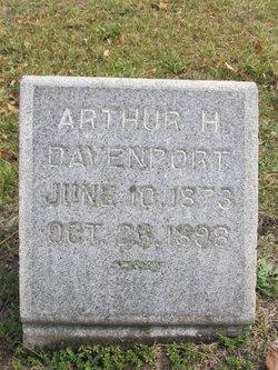Arthur L Davenport