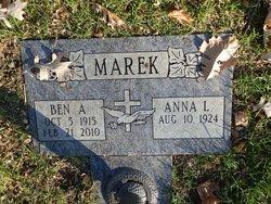 Anna L Marek