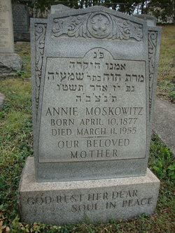 Annie Moskowitz