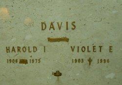 Violet E Davis