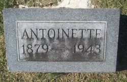Marie Antoinette <I>Reis</I> Smith