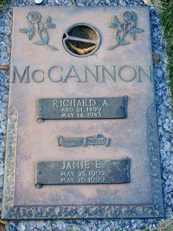 Janie E McCannon