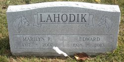 Marilyn R Lahodik