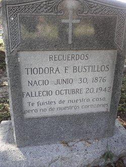 Tiodora <I>Flores</I> Bustillos