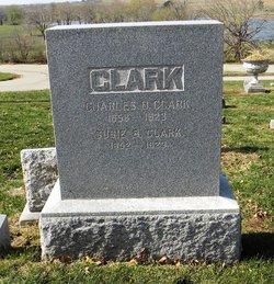 Susie B Clark