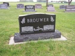 """Gertrude """"Gert"""" <I>Baar</I> Brouwer"""