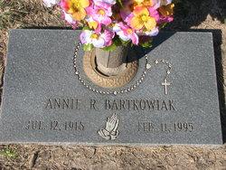Annie R Bartkowiak