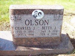 Betty J <I>Edwards</I> Olson