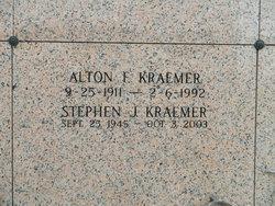 Stephen J Kraemer