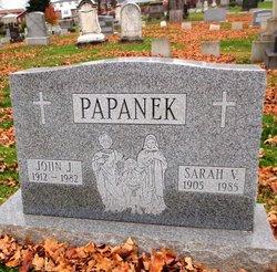 Sarah V Papanek