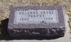 """Virgie Suzanne """"Suzie"""" <I>Andre</I> Perdue"""