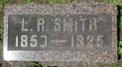 Lorenzo R Smith