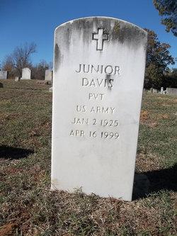 Pvt Junior Davis
