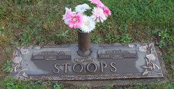 Arthur M Stoops