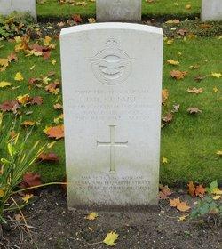 Flight Sergeant (W.Op./Air Gnr.) David Robert Stuart
