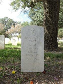 Robert L Vale