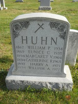 Eunice St. Clair <I>McElwee</I> Huhn