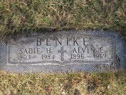 Sadie Marie Wilhelmine <I>Hoffman</I> Benike