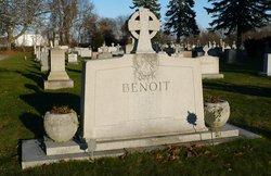 Judith <I>Snow</I> Benoit