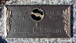 Daniel L Schmidt