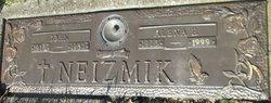 John Neizmik