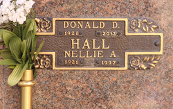 Nellie A Hall