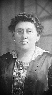 Flora C. <I>Hillert</I> Benz