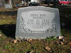 Edna Mae <I>Caveness</I> Davies