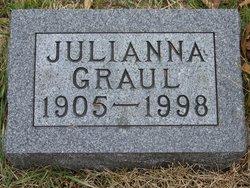 Julianna Graul