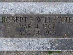 Robert E Willhoite