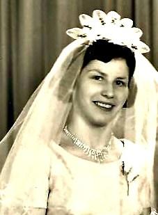 Mrs Rosemarie T <I>Bretchel</I> Larivee