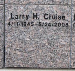 Larry H Cruise