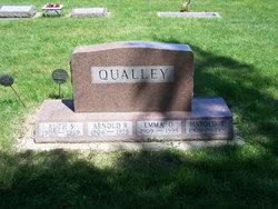 Emma Oline Qualley