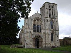 St Mary the Virgin Priory Churchyard