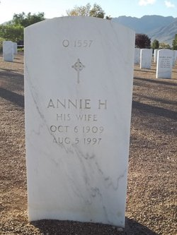 Annie H Sinclair