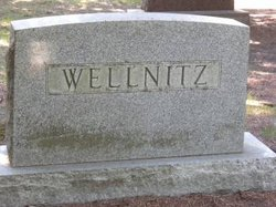"Susan ""Susie"" <I>Thompson</I> Wellnitz"