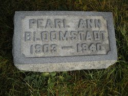 Pearl Ann <I>Robertson</I> Bloomstadt